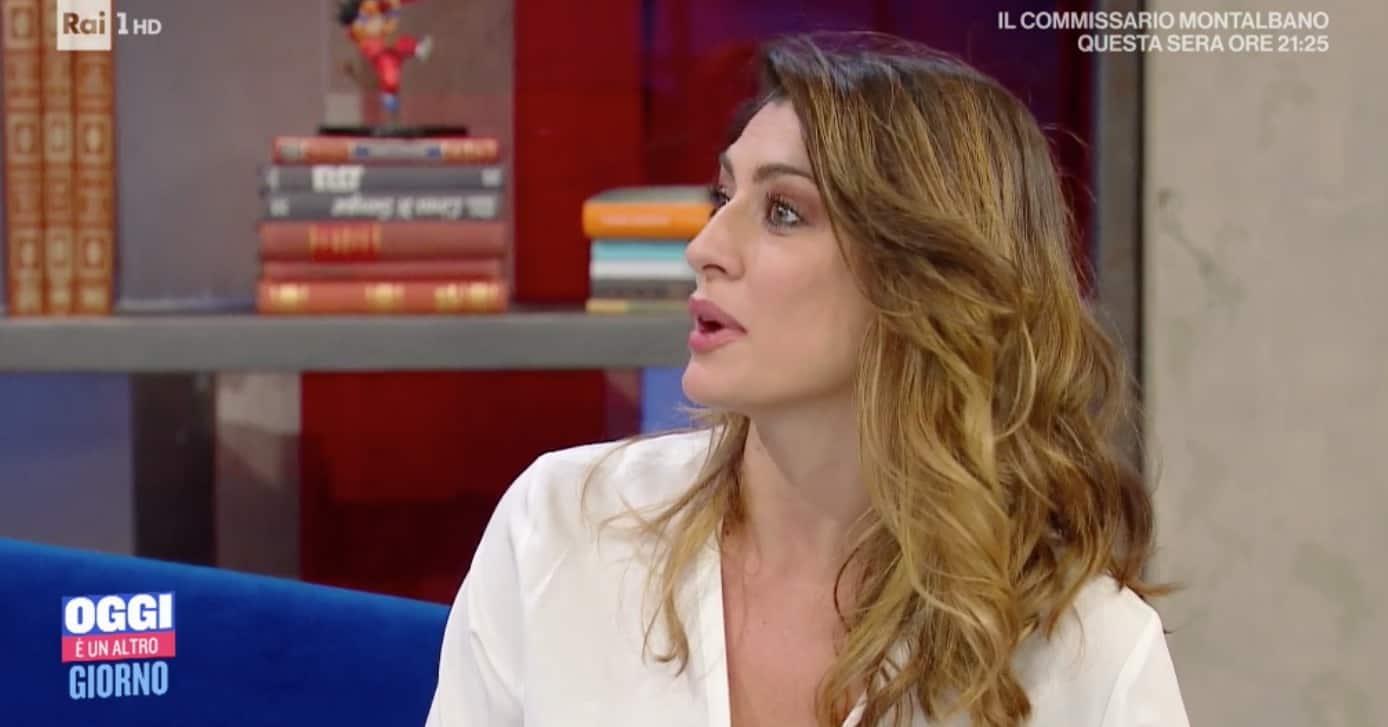 """Elisa Isoardi commenta The Voice Senior: """"Antonella Clerici strepitosa e coraggiosa"""" (Foto)"""