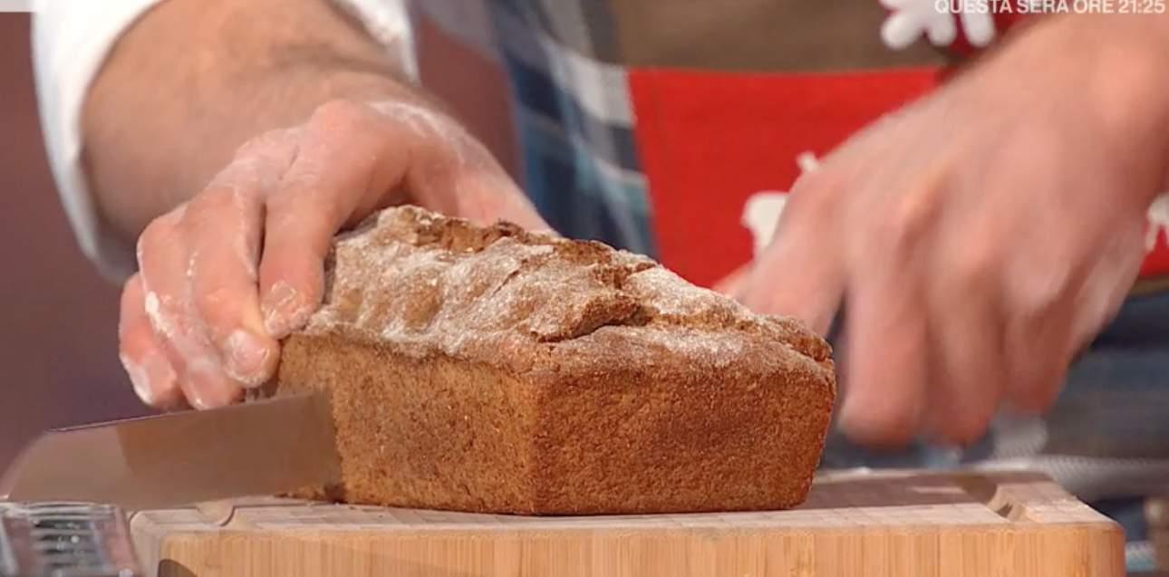 Pane di segale in cassetta di Fulvio Marino per le ricette E' sempre mezzogiorno