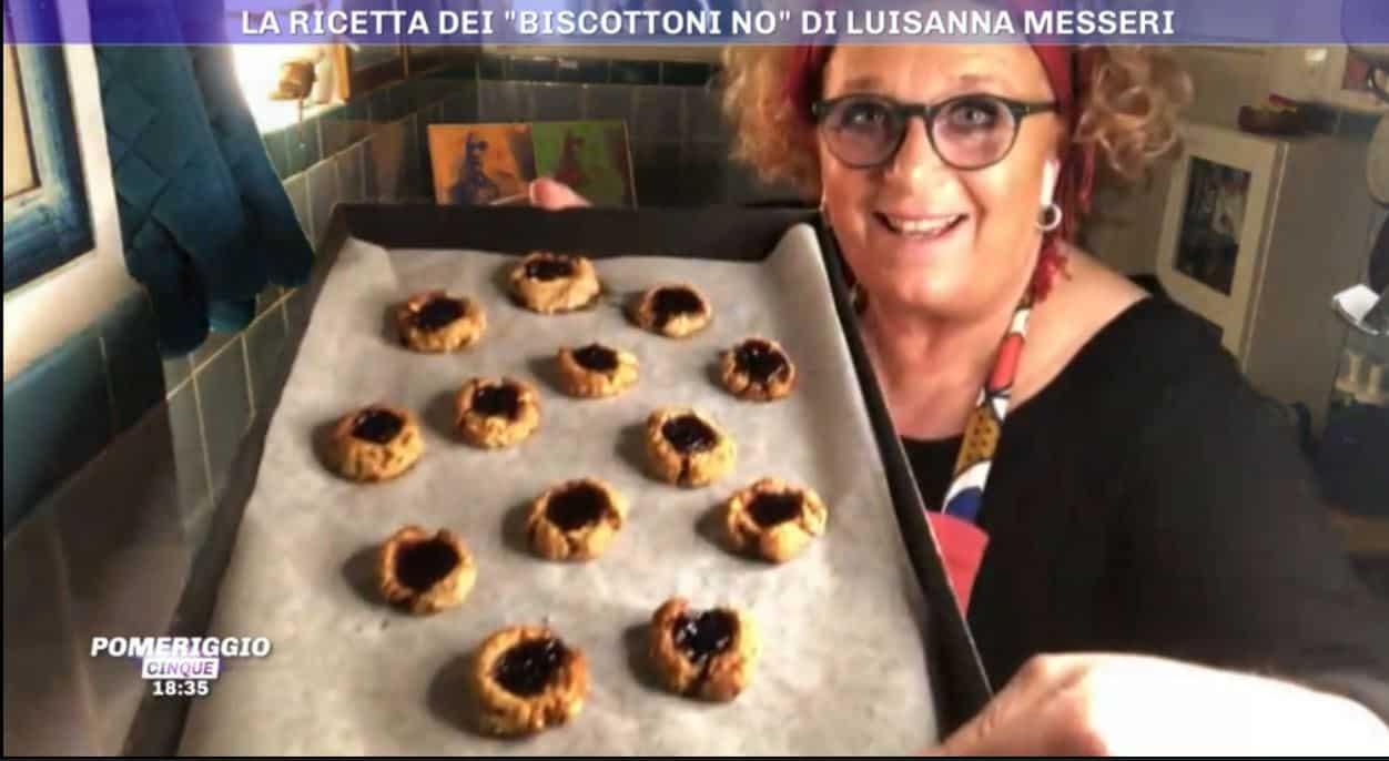 Biscotti no con patata americana di Luisanna Messeri da Pomeriggio 5