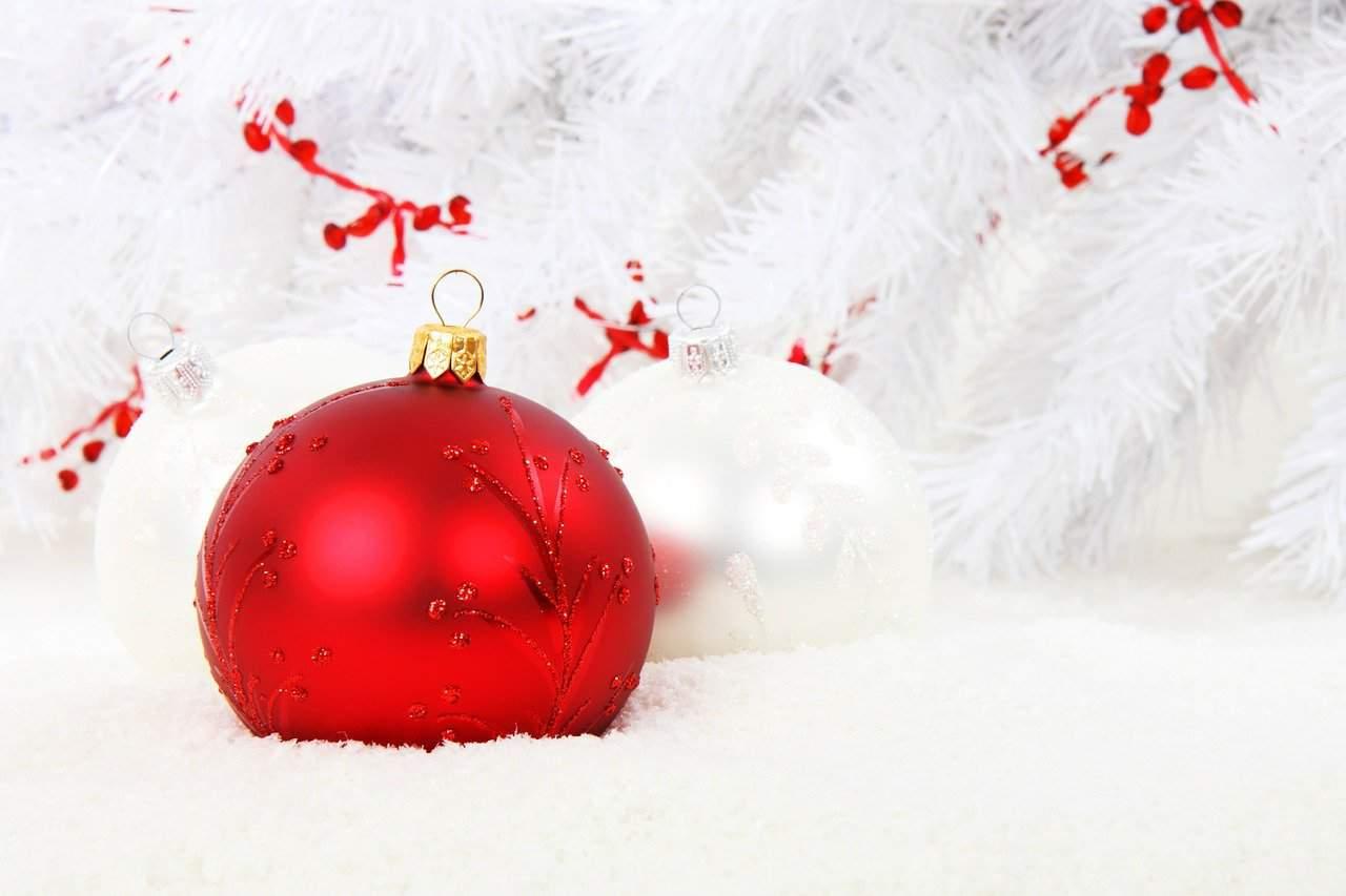 Le 10 frasi più belle da mandare a parenti e amici lontani per il Natale