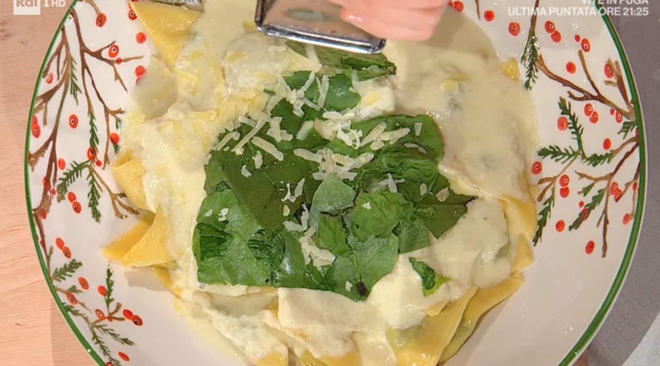 Tortelloni con spinaci e formaggio di Francesca Marzetti, le ricette E' sempre mezzogiorno