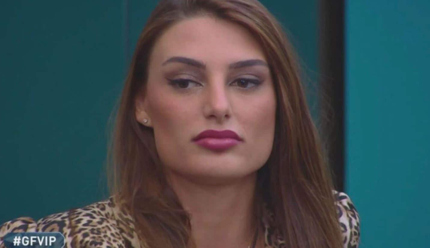 Franceska Pepe diserta lo studio del GF VIP 5 e spiega ai fans perchè ha preso questa decisione
