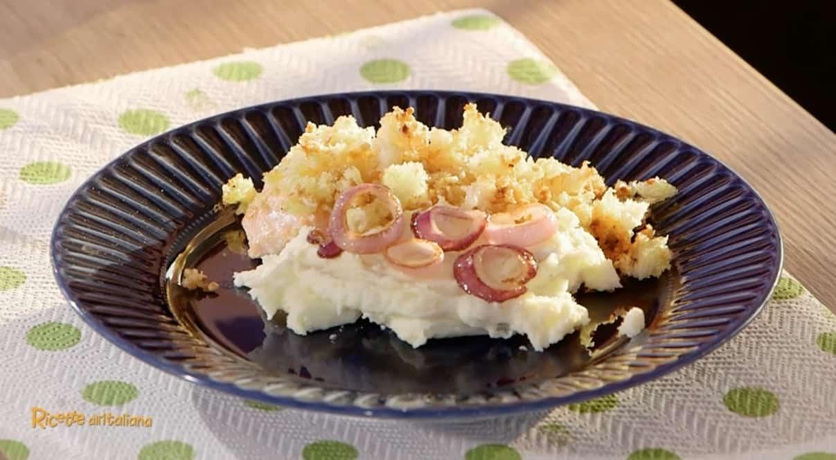 Ricette all'italiana: filetto di salmone in crosta di nocciole