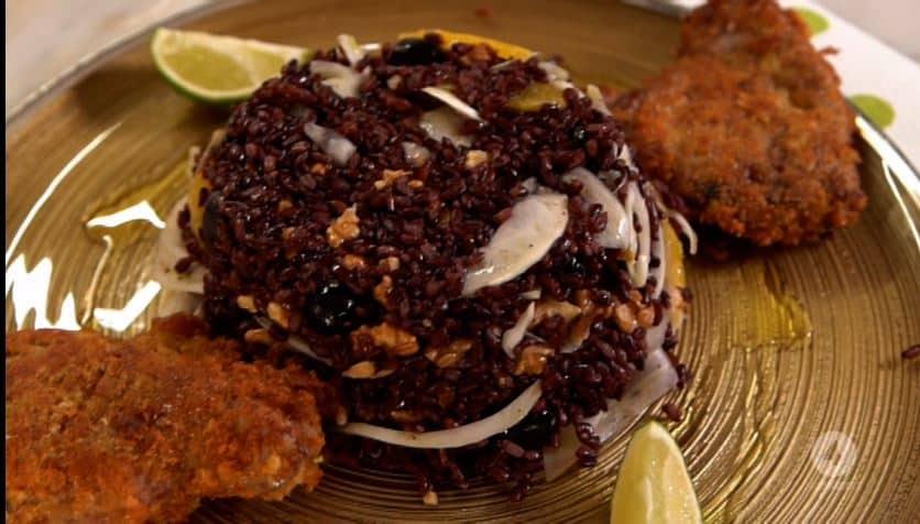 Cotolette di tonno con riso venere: una ricetta di Anna Moroni