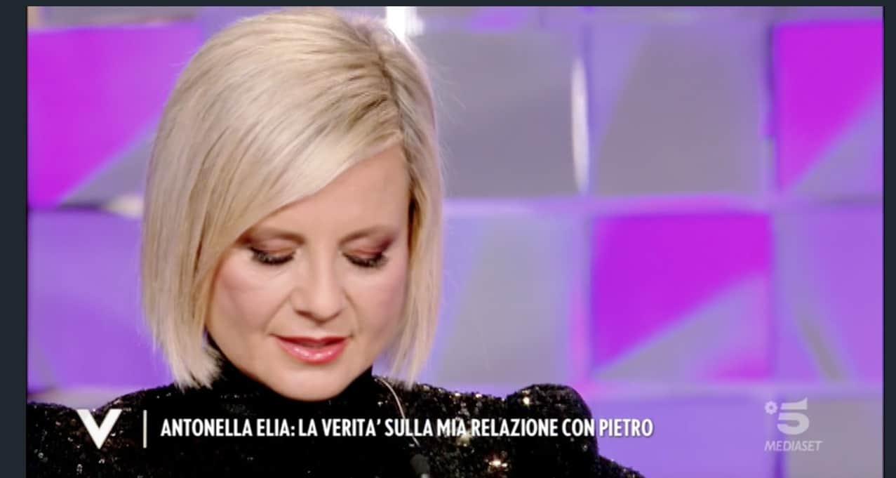 Antonella Elia non dice tutto: è successo qualcosa di brutto con Pietro? (Foto)