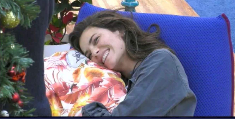 Dayane Mello ripensa ancora a Beretta e fa finta di non sapere che sta con Giulia de Lellis