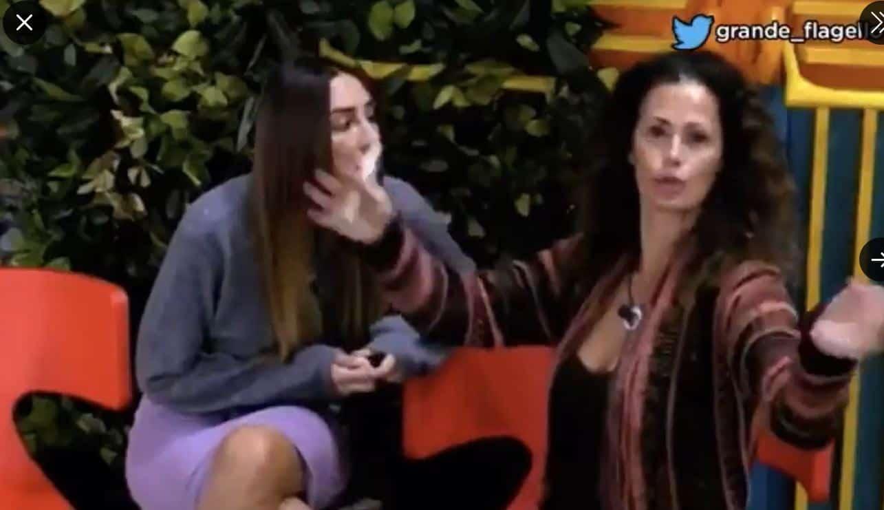 """Samantha e Stefania Orlando litigano di nuovo. La De Grenet sbotta: """"Io ti uccido, cacciatemi"""""""