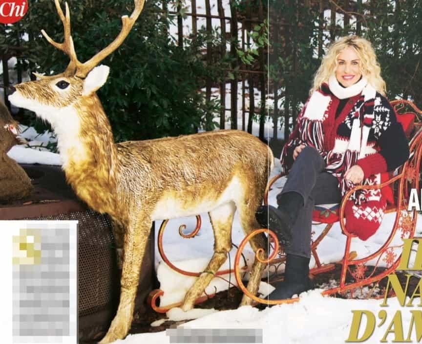 Antonella Clerici festeggia il Natale nel suo bosco con pochissime persone (Foto)