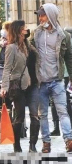Raz Degan e Stuart, la coppia esce allo scoperto con lo shopping (Foto)