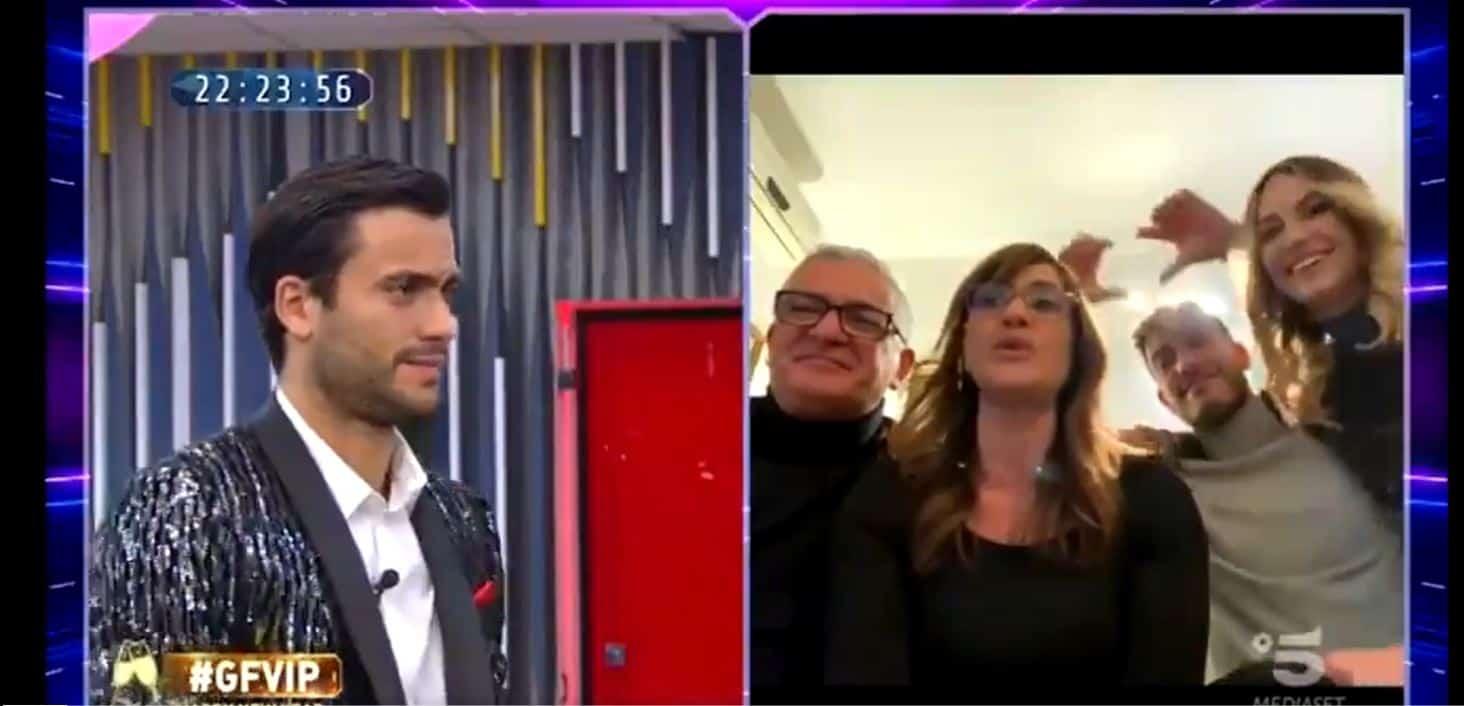 """""""Stai perdendo consensi"""": Pierpaolo Pretelli sbotta in diretta contro sua madre e chiede di interrompere il collegamento (VIDEO)"""