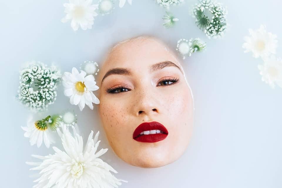 Skincare viso: curarsi al meglio dopo le feste natalizie