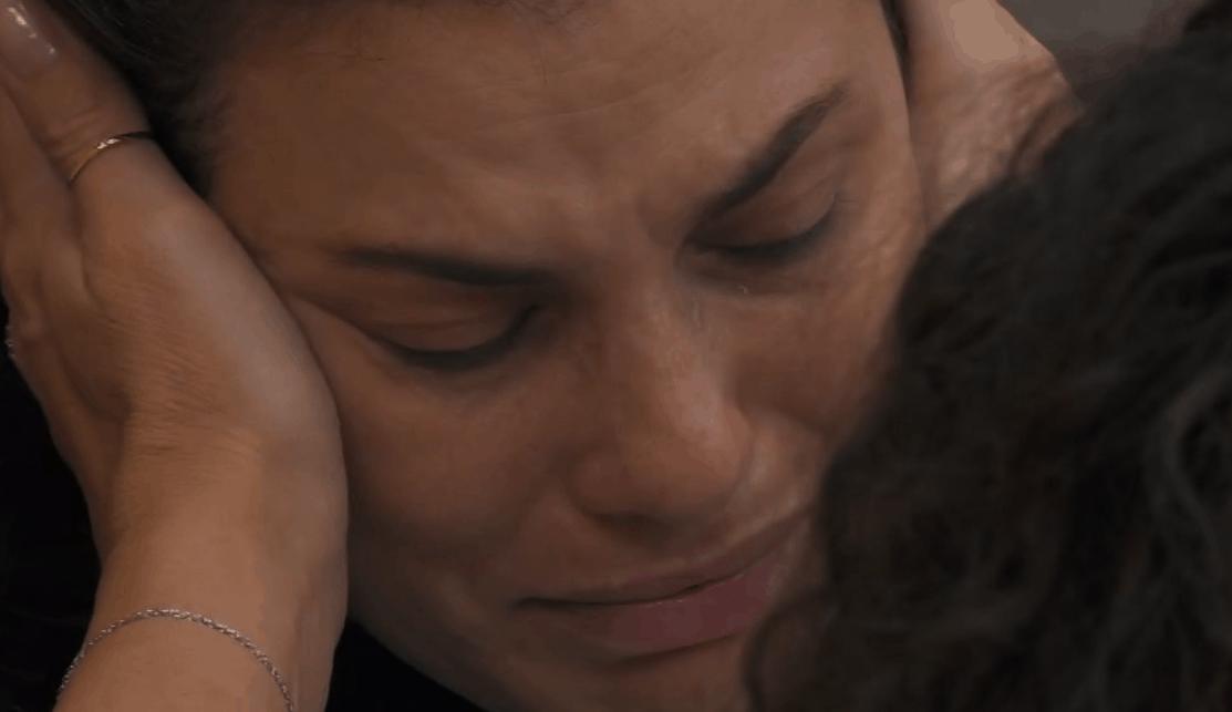 """GF Vip 5, Dayane Mello in crisi tra le lacrime: """"Sono stanca di soffrire"""""""