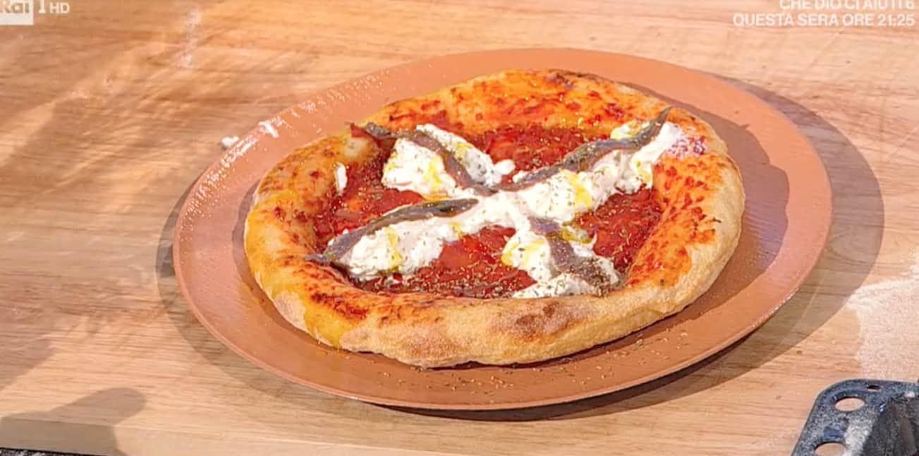 Pizza tonda fatta in casa, la ricetta di Fulvio Marino
