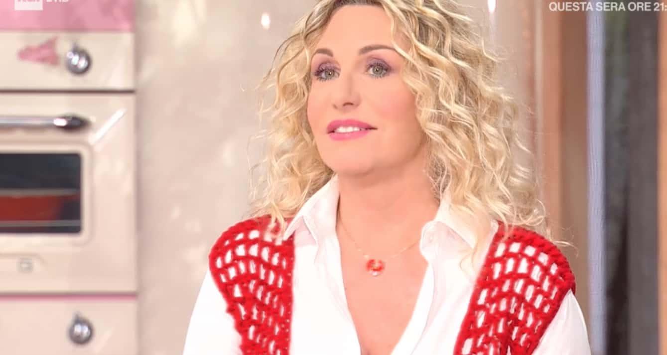 """Antonella Clerici inizia la dieta: """"Non entro più nei jeans"""" (Foto)"""