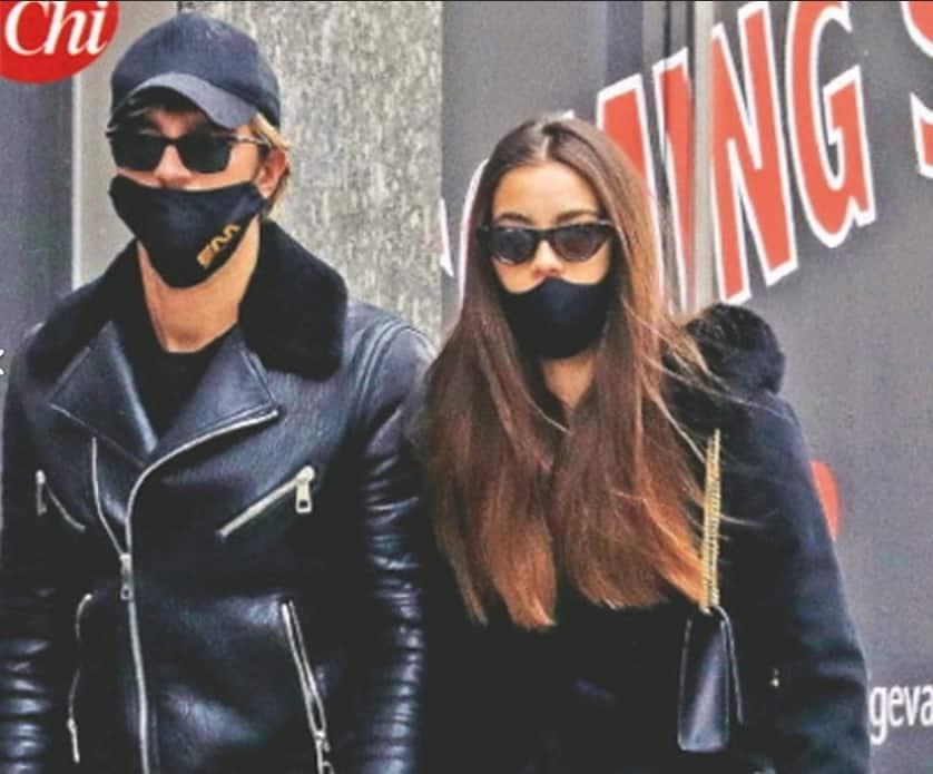 Andrea Damante ed Elisa Visari passeggiano a Milano più innamorati che mai (Foto)