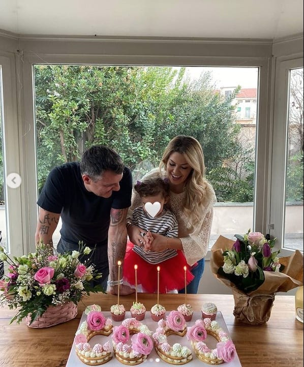 Costanza Caracciolo, un compleanno speciale in casa con la famiglia (Foto)