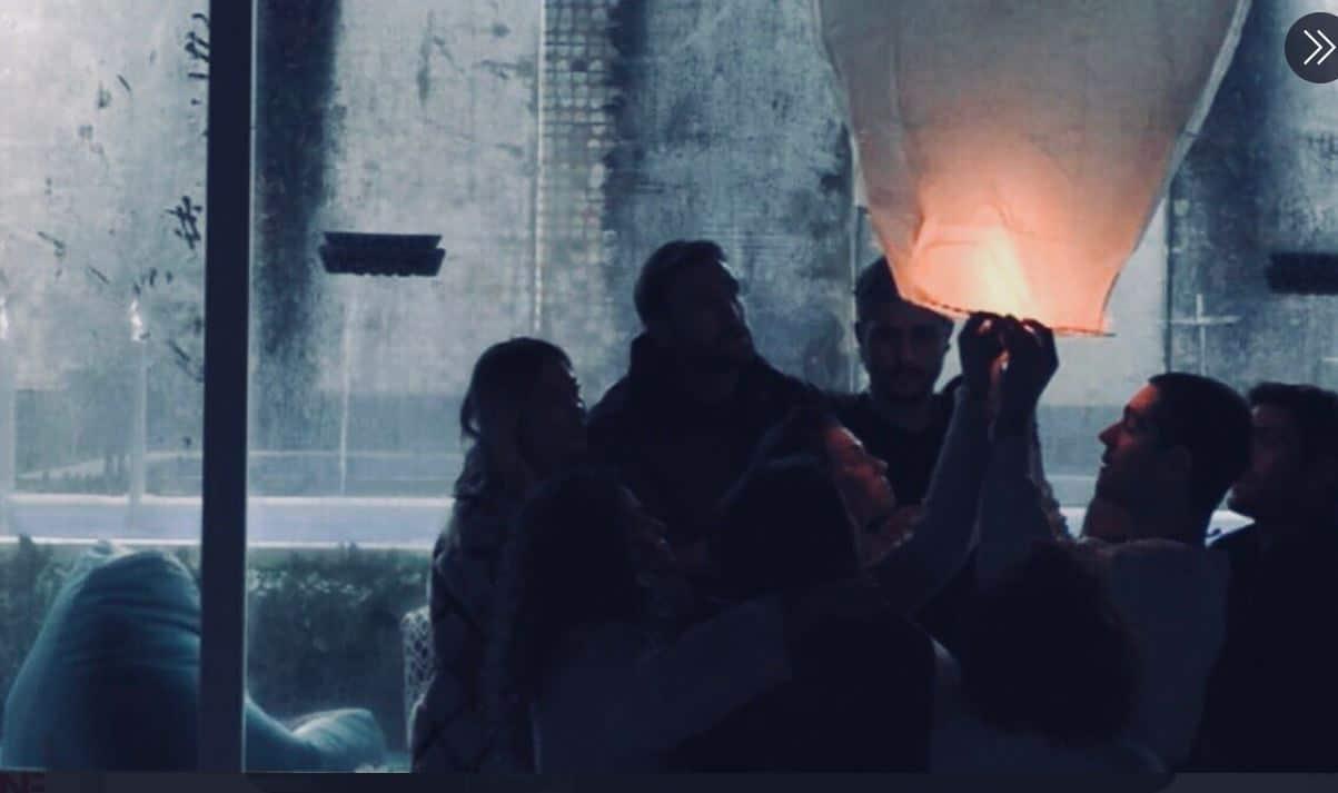 Dayane Mello e i ragazzi in casa lanciano una lanterna per ricordare Lucas: strazio ed emozione (VIDEO)