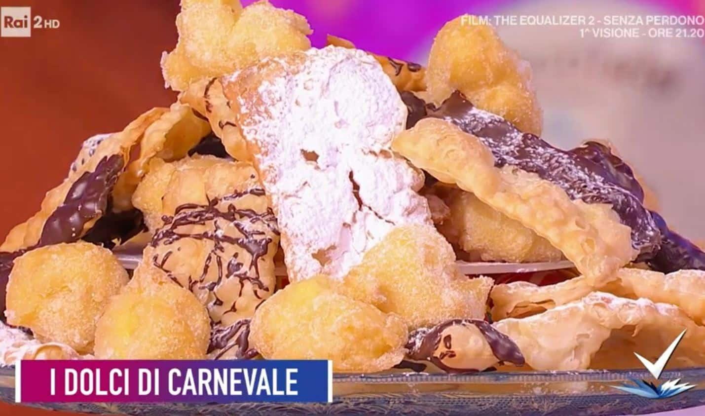 I dolci di carnevale di Giustina Dibello: chiacchiere e tortelli