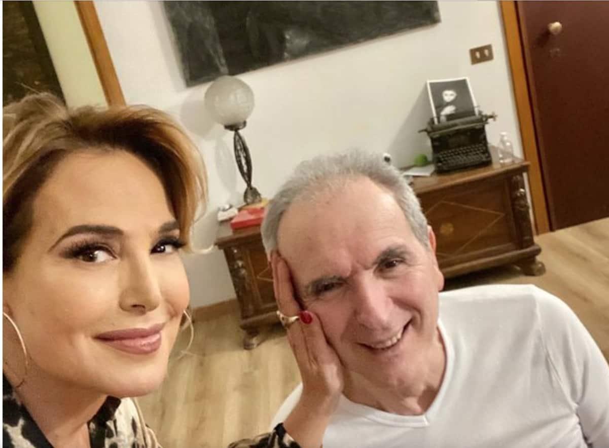 Barbara D'Urso a casa di Lamberto Sposini, la conduttrice pubblica la tenera foto