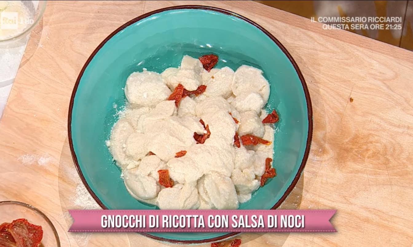 Ricette Marco Bianchi; gnocchi di ricotta con salsa di noci