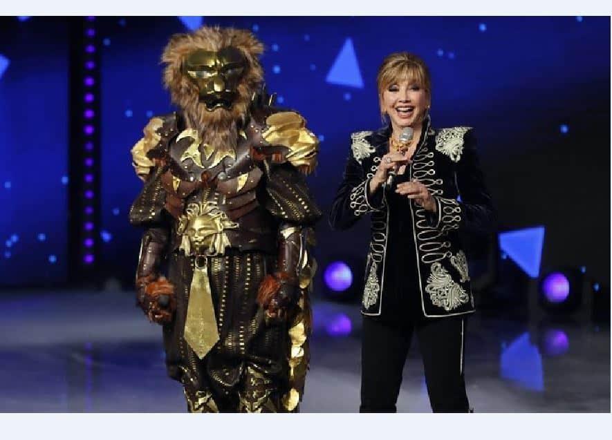 Il cantante mascherato 2 stasera il ritorno del Leone: novità per Milly Carlucci