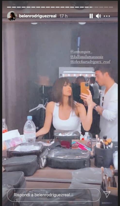 Nuovo look per Belen: la frangia per chi non ha il coraggio di tagliare i capelli (Foto)