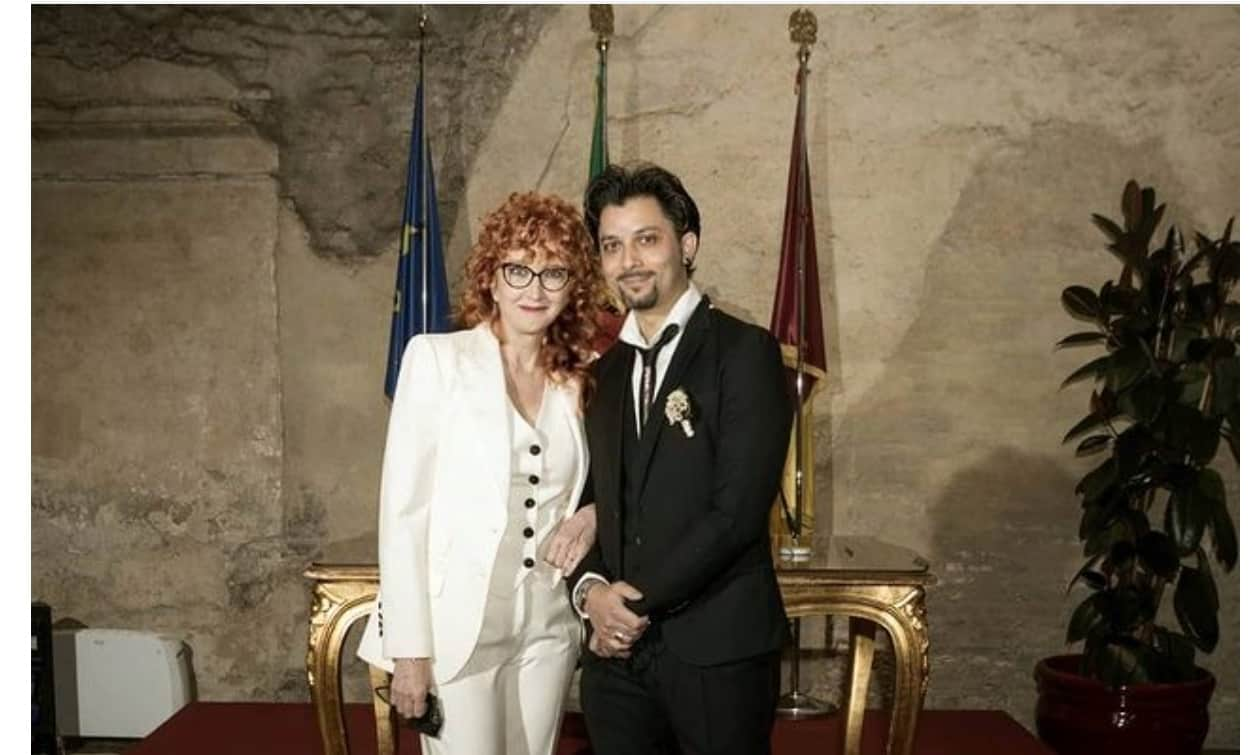 Il matrimonio di Fiorella Mannoia e Carlo Di Francesco, la cantante pubblica la foto dopo il sì
