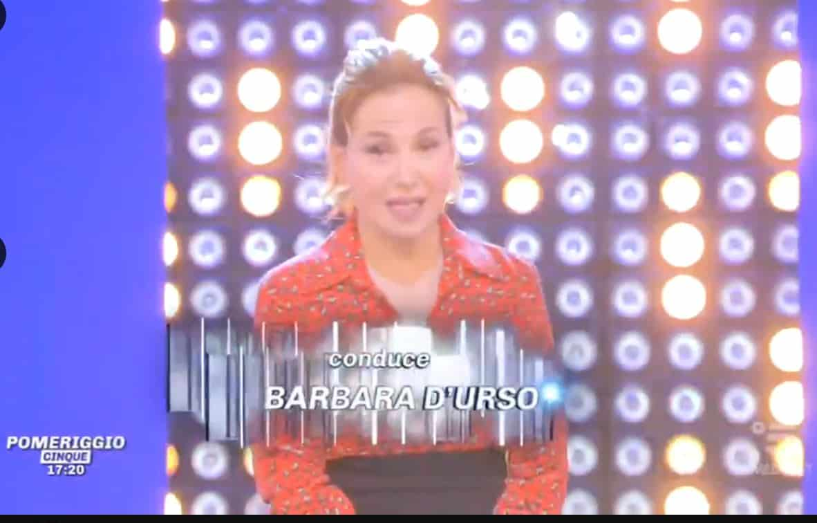 """Barbara d'Urso """"commenta"""" la chiusura di Live? Parla di siti che raccontano cattiverie"""