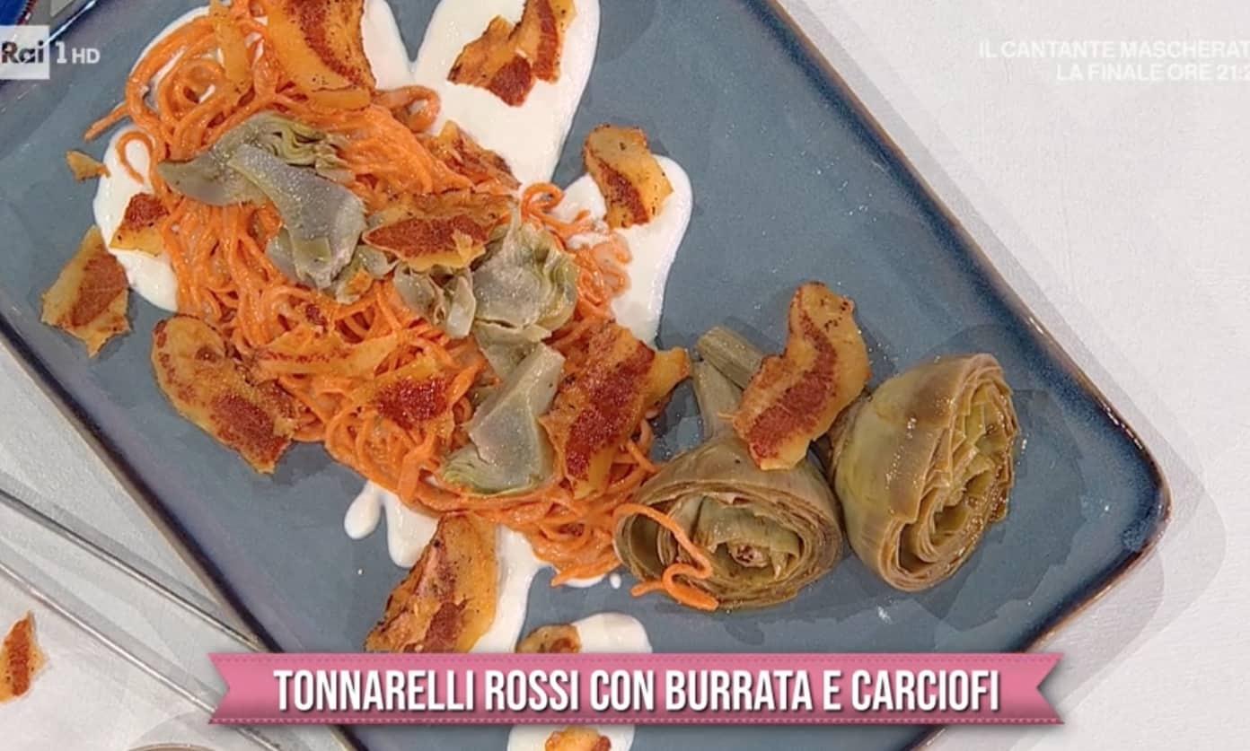Tonnarelli rossi con carciofi e burrata, la ricetta di Gian Piero Fava