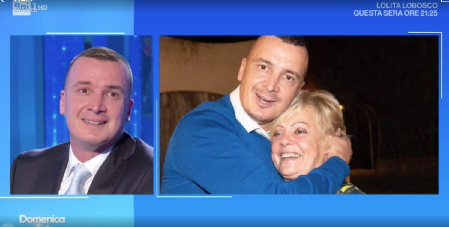 La mamma di Rocco Casalino commuove nel raccontare di suo figlio (Foto)