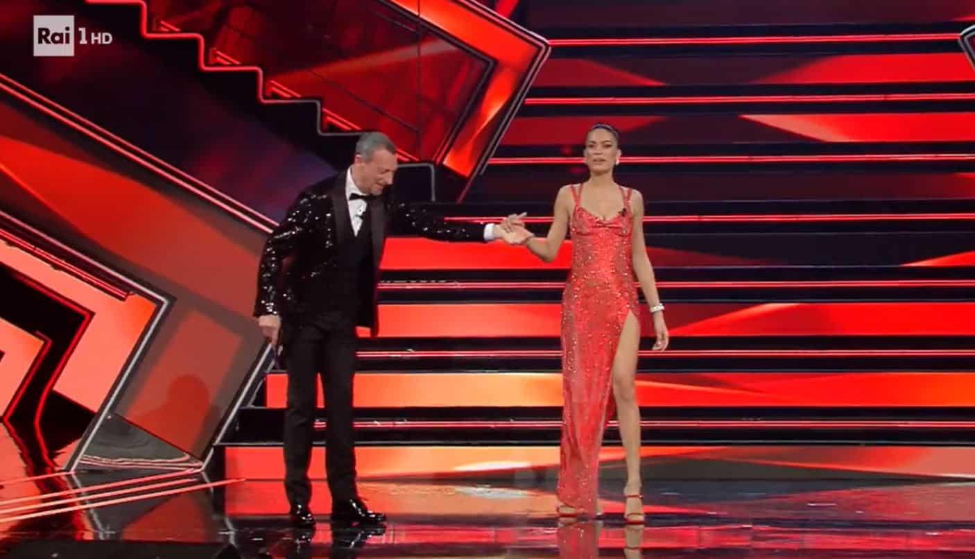 Elodie a Sanremo 2021: look e gioielli per una cifra  da capogiro