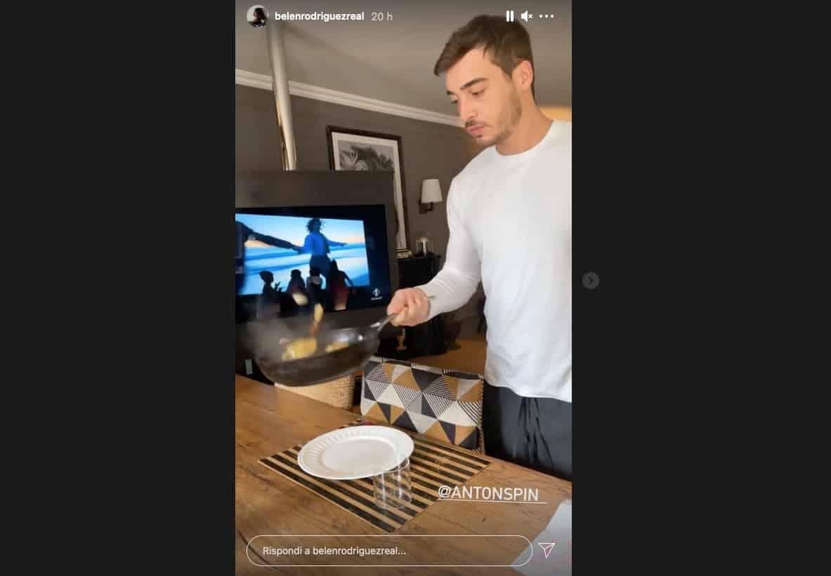Belen fortunata: Antonino cucina, la coccola e le asciuga i capelli (Foto)