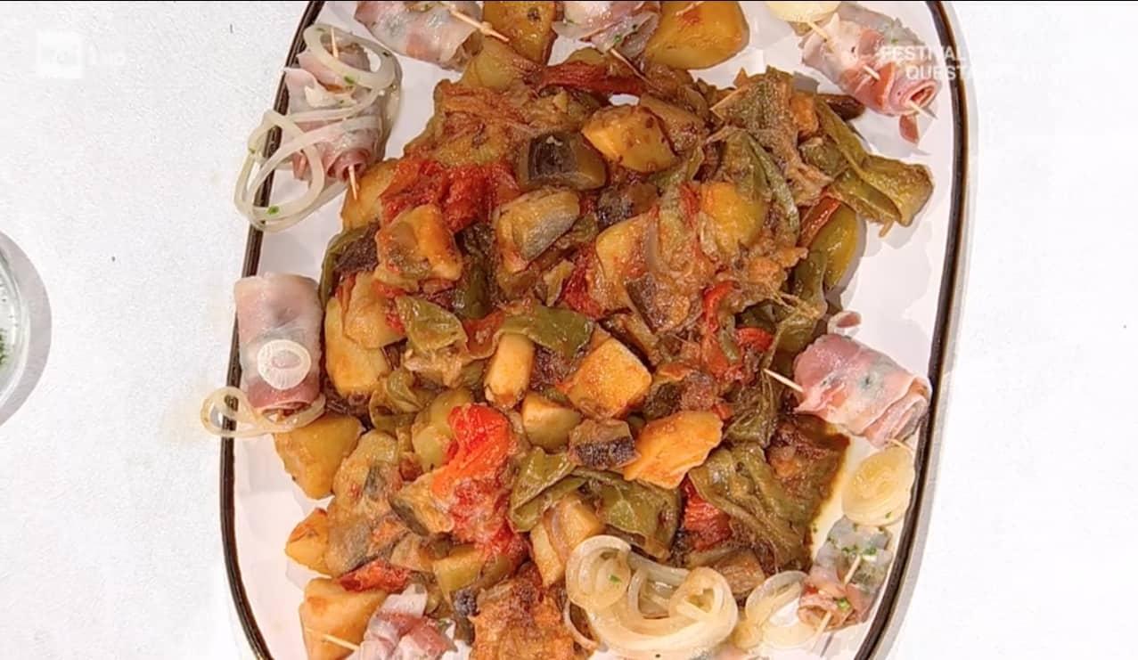 Bocconcini di maiale con ciambotta, la ricetta gustosa