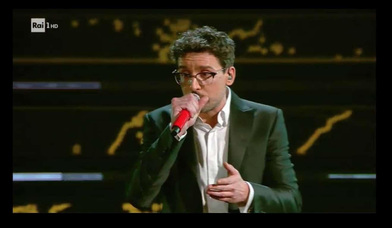Finisce Sanremo 2021 e Willie Peyote attacca Ermal Meta ma lui lo zittisce (Video)