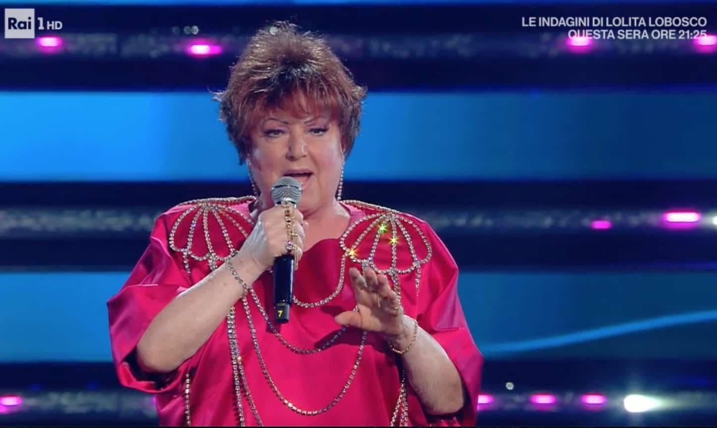 Grazie Orietta Berti: a Domenica In l'omaggio del direttore e l'applauso alla sua intonazione