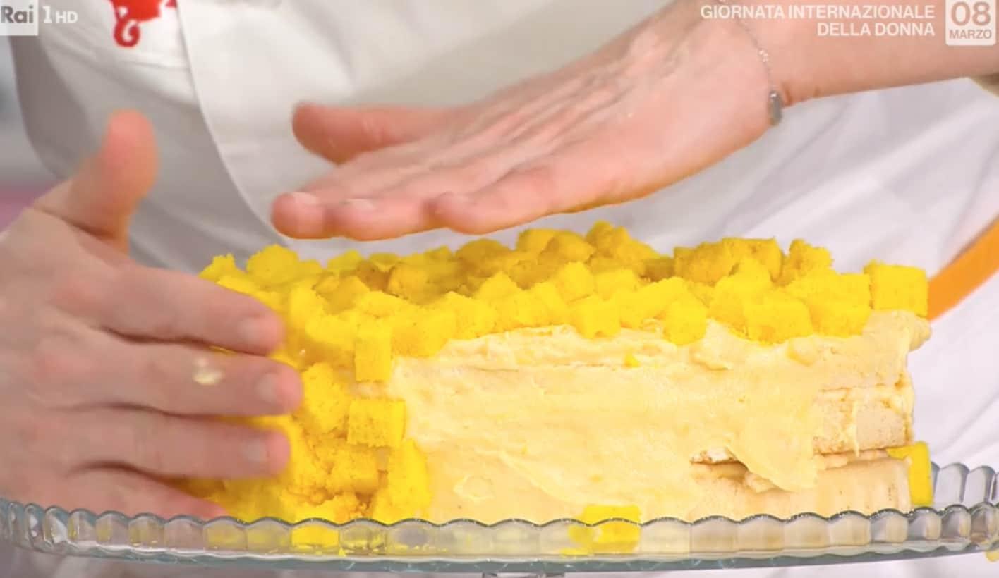 La ricetta della torta mimosa di Francesca Marsetti