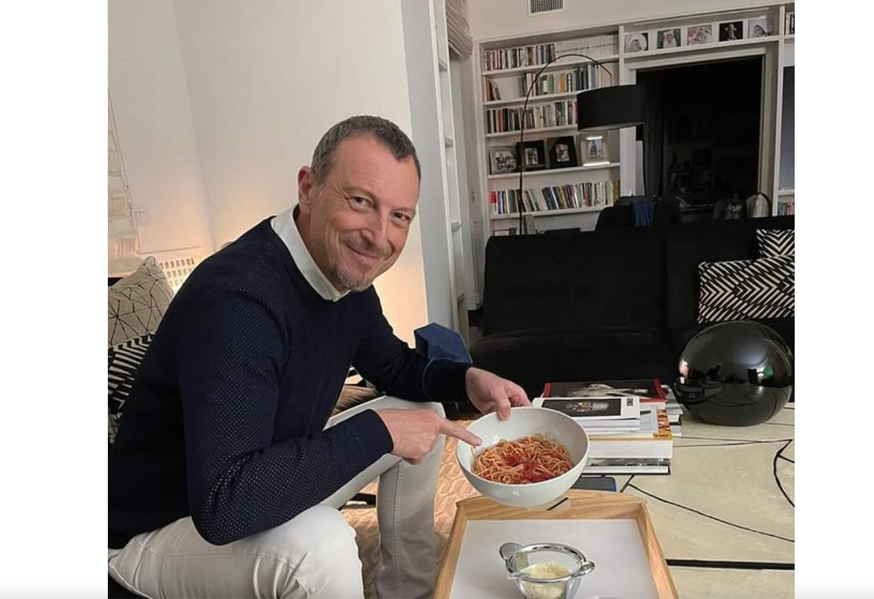 Amadeus da Paola Perego, la cena in salone è il relax dopo Sanremo (Foto)