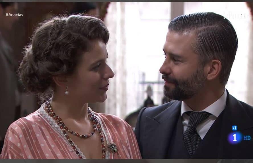 Una vita anticipazioni: il delirio di Ursula blocca Felipe, rimandato l'annuncio