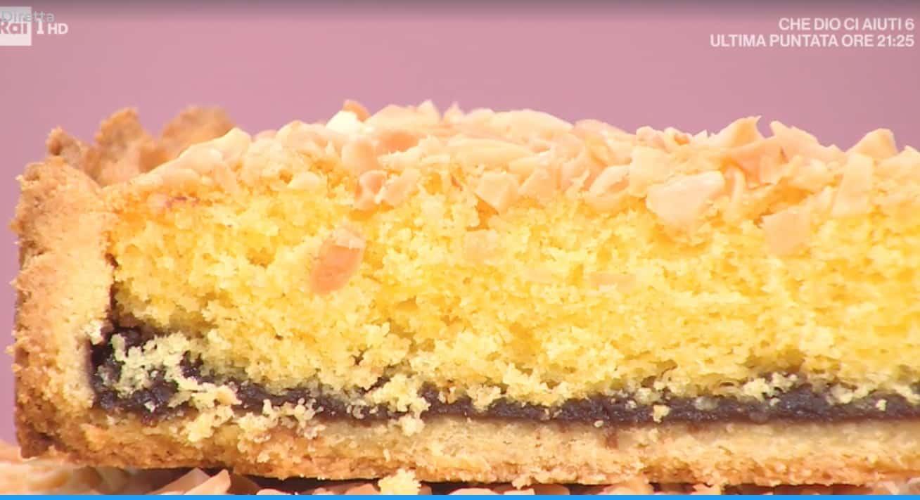 Crostata ripiena di torta, la ricetta dolce di Natalia Cattelani