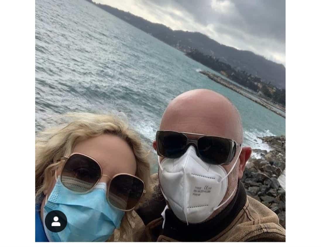 Antonella Clerici e Vittorio Garrone, fine settimana in Liguria ma qualcuno si arrabbia (Foto)