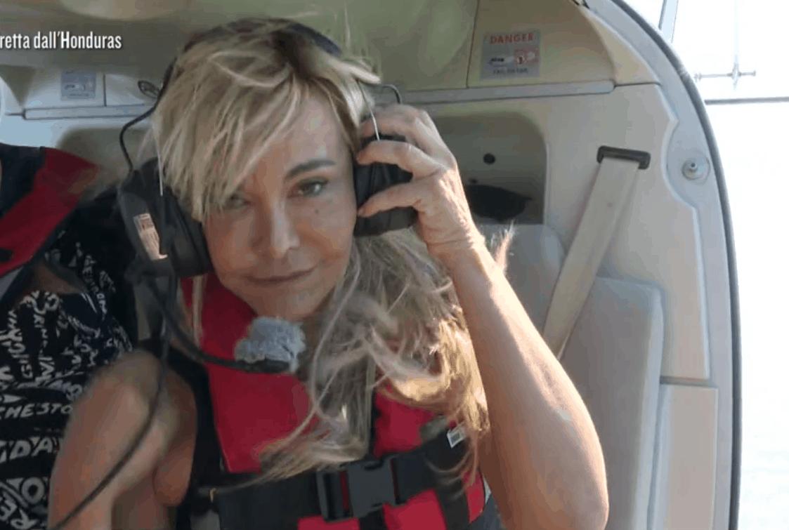 Il fidanzato di Vera Gemma star alla prima dell'Isola: ma quanti anni ha?