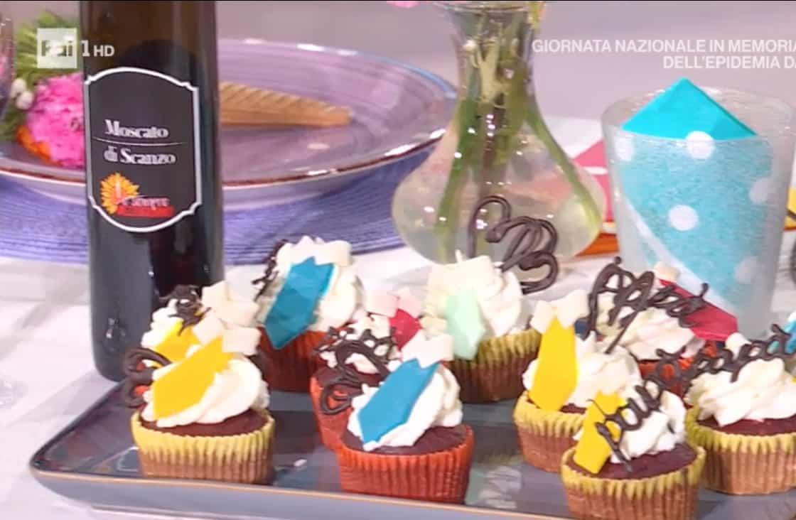 Cupcakes red velvet, la ricetta per la festa del papà di Sara Brancaccio