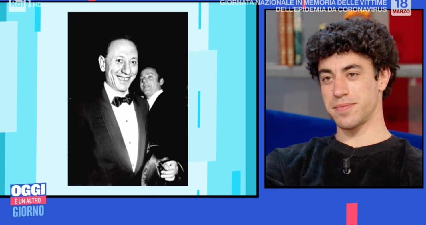 Eduardo Scarpetta nel ruolo di Carosone, è evidente la somiglianza