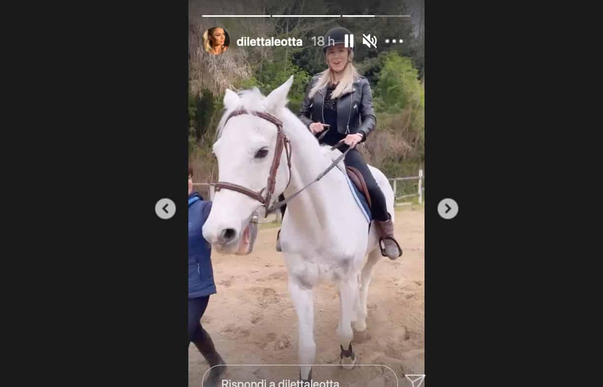 Diletta Leotta e Can Yaman la storia prosegue con un video al maneggio (Foto)