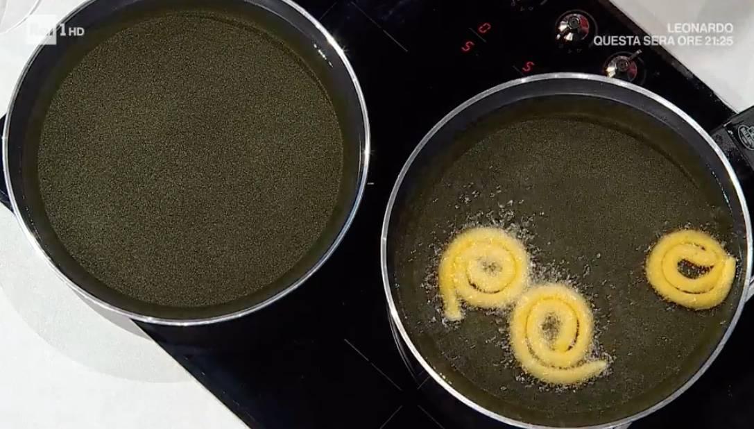 Mega spiedini di pollo e patate a spirale, la ricetta di Simone Buzzi