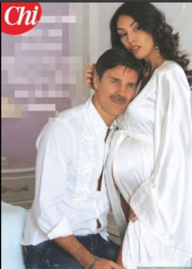 Fabio Fulco papà a 50 anni, la compagna è allo stesso mese di Cristina Chiabotto (Foto)