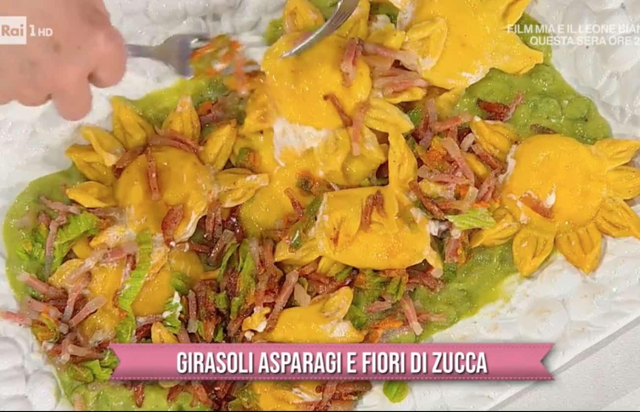 Girasoli asparagi e fiori di zucca, la ricetta della pasta fresca di Zia Cri