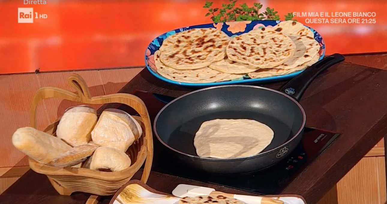 Pane indiano Naan, la ricetta di Fulvio Marino del pane in padella