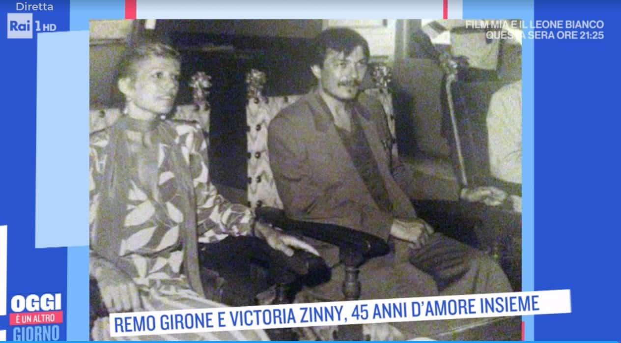Remo Girone e Victoria Zinny, per il secondo matrimonio lei ha indossato lo stesso abito (Foto)