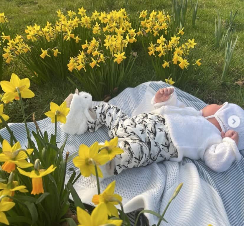 Eugenie di York mostra le foto del piccolo August e rinuncia al titolo per il figlio